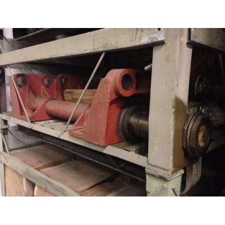 tube center rear spring w/brackets