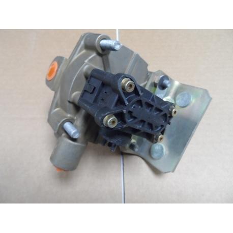 valve relay air pressure