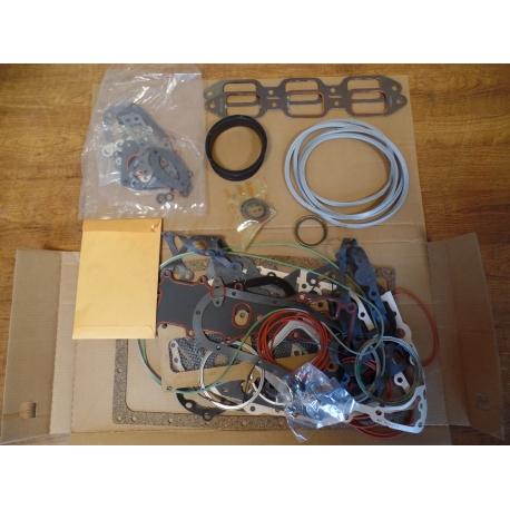 Gasket and preformed packing set