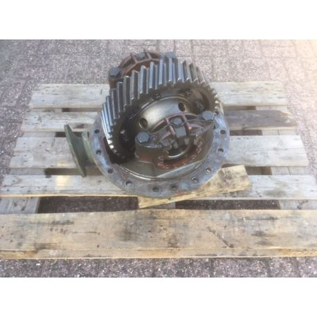 Differential, driving axle, frond and rear, Used take out.